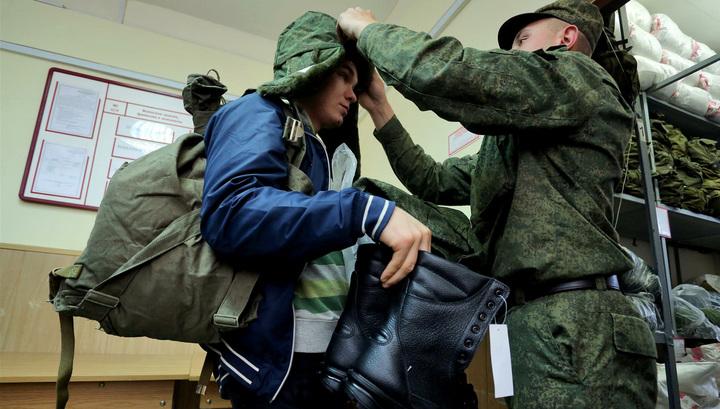 Российским призывникам запретят брать в армию iPhone