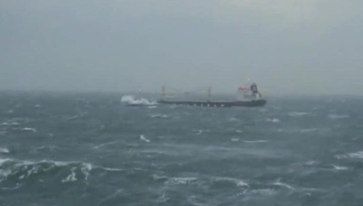 В Филиппинском море перевернулось японское рыболовецкое судно