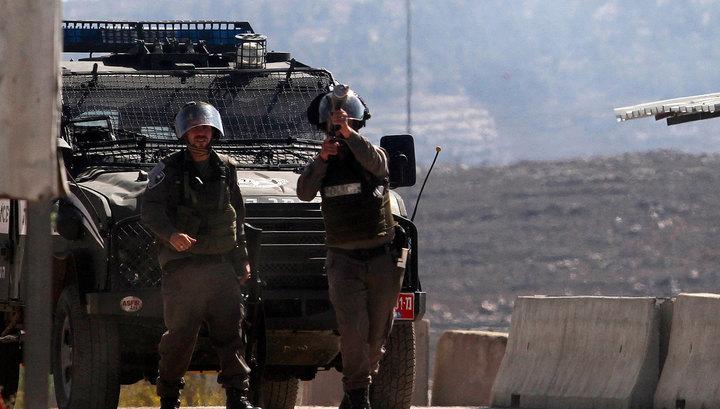 Палестинец на автомобиле протаранил группу израильтян: трое ранены