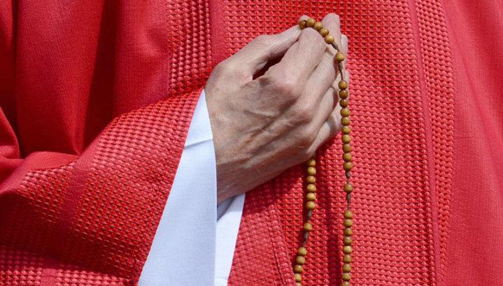 Во время исповеди россиянка облила кислотой католического священника