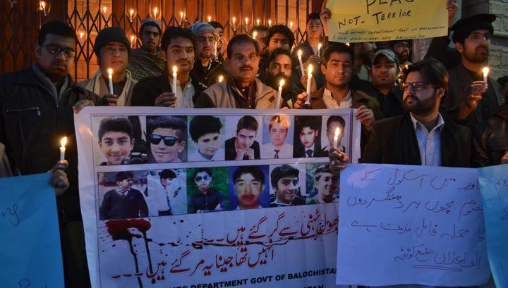 Пакистан в трауре: убийцам детей будут мстить
