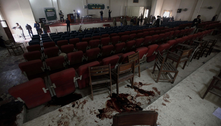 Бойня в школе: талибы убили 144 человека