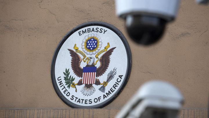 Аналитики: высылка дипломатов из России осложнит работу шпионов