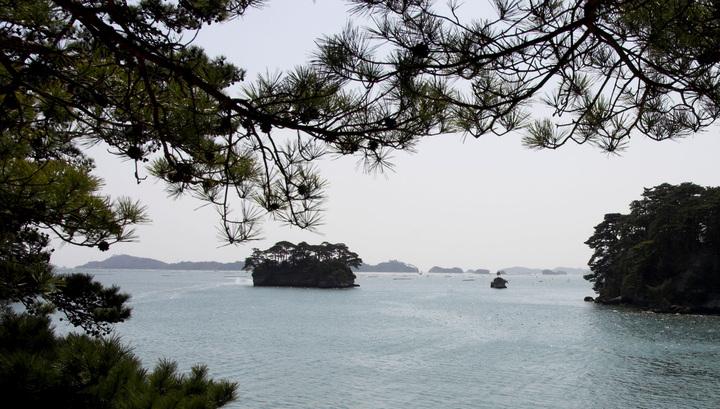 Корейских рыбаков прибило волной к японскому берегу