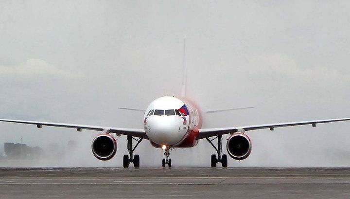 Диспетчеры потеряли связь с самолетом малайзийской AirAsia