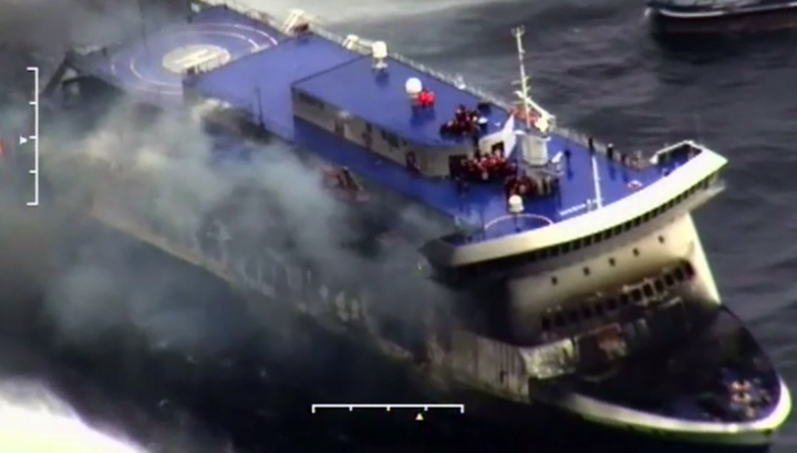 "Эвакуация с парома ""Норман Атлантик"" завершена. Остался один капитан"