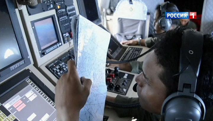 Возобновились поиски лайнера AirAsia