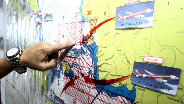 Самолет AirAsia мог рухнуть, потому что обледенел