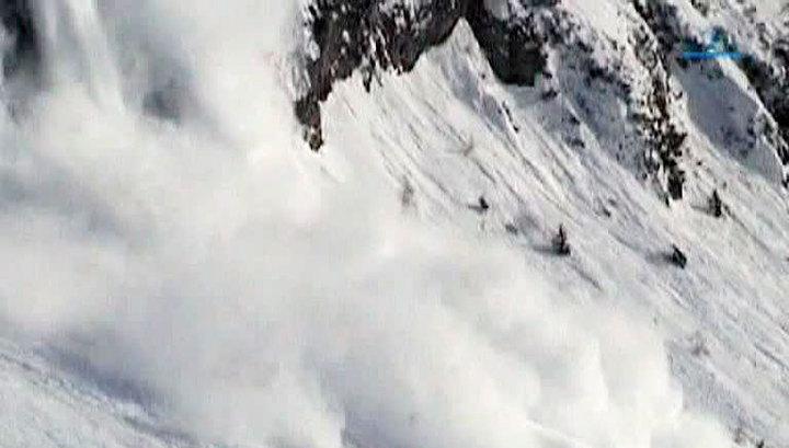 Противолавинные отряды вышли на борьбу со снегом