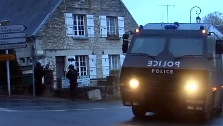 Главных террористов Франции ищут 80 тысяч человек