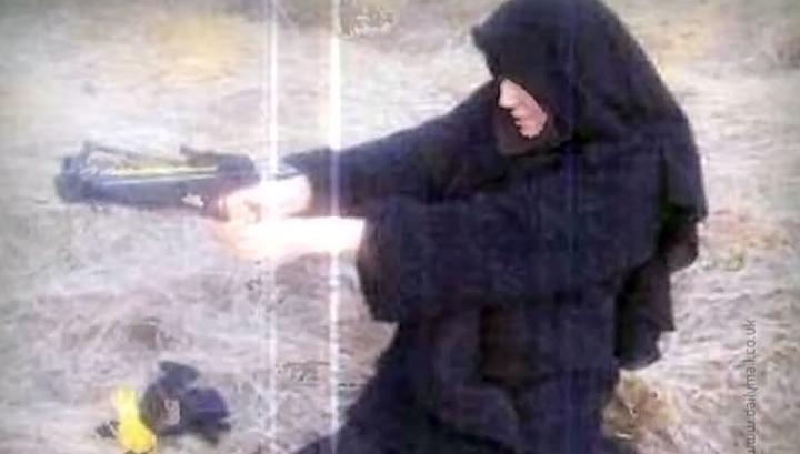 Портрет террористки: с Кораном и арбалетом