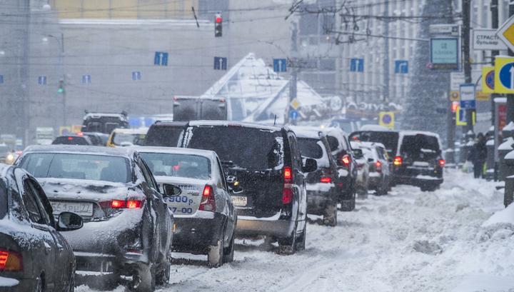 30 сантиметров – не предел: снегопад в Москве продолжается