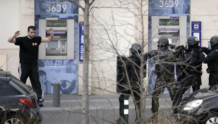 Психопат, захвативший заложников под Парижем, сдался полиции
