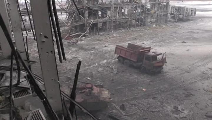 ДНР: силовики стягивают подкрепление в район донецкого аэропорта
