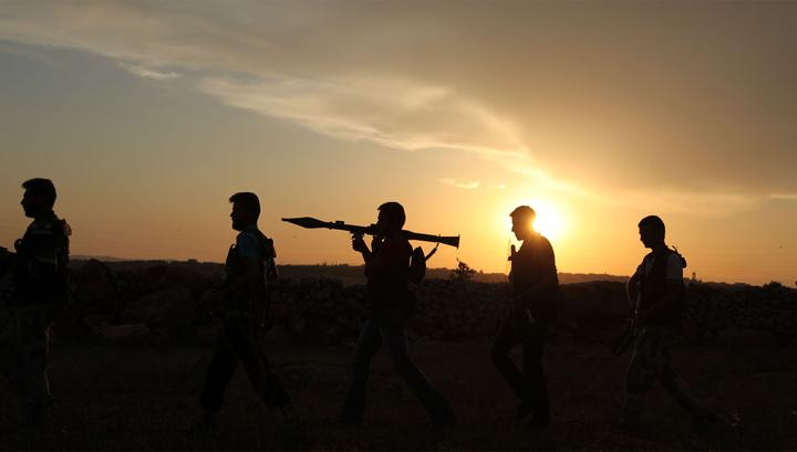 """Война чужими руками: США """"подарили"""" оружие террористам"""