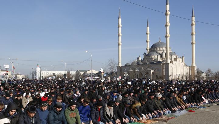 Миллион мусульман собрались в Грозном в защиту ислама
