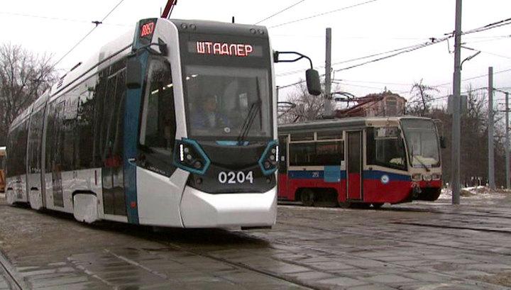 В центре Москвы на трамвайные пути упал провод под напряжением