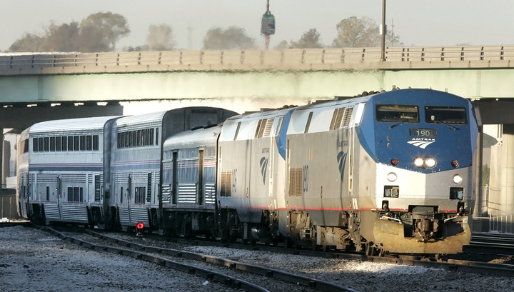 В Южной Каролине столкнулись пассажирский и грузовой поезда: есть жертвы