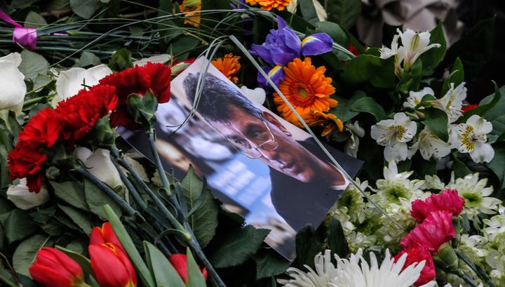 Участников марша в память о Немцове тщательно досмотрят