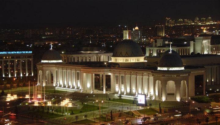 В Туркмении запретили наличный обмен валюты