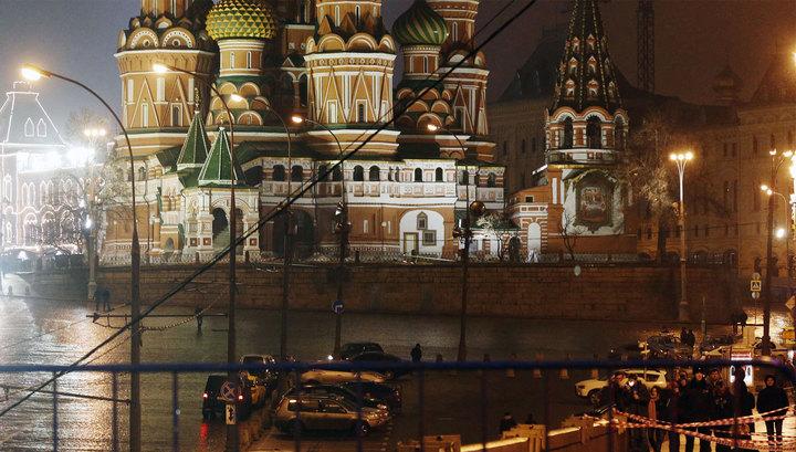 Камера наружного наблюдения зафиксировала момент убийства Немцова