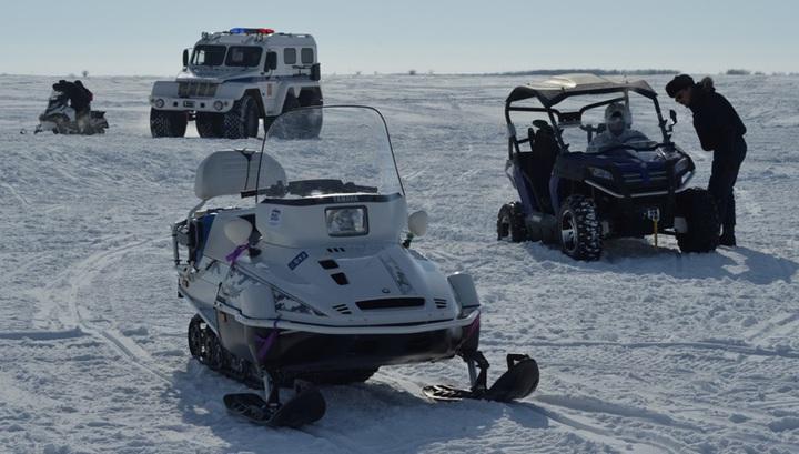 В Финском заливе спасли мужчин, провалившихся под лед на снегоходе