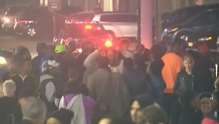 Двое полицейских ранены в результате стрельбы на демонстрации в Фергюсоне