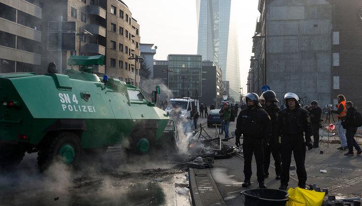 Беспорядки во Франкфурте: 88 полицейских ранены, 500 радикалов задержаны