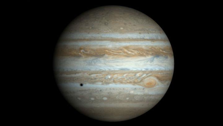 Юпитер защищает Землю от крупных небесных тел, потенциально представляющих угрозу всему живому, а на заре существования Солнечной системы этот газовый гигант мог уничтожить зарождавшиеся суперземли