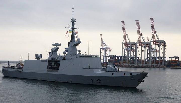 Французский ракетный фрегат вошел в Черное море