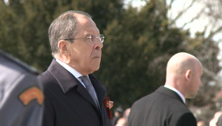 Лавров почтил память советских воинов в Братиславе