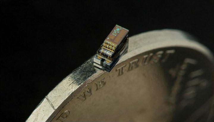 Новый миниатюрный компьютер может поместиться на ребре монеты