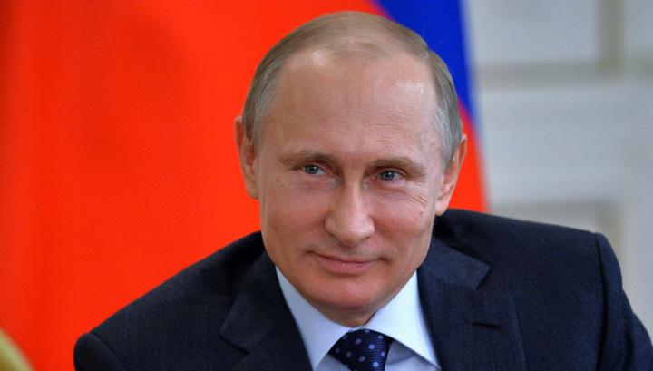 Путин подарил электропианино удмуртской школьнице