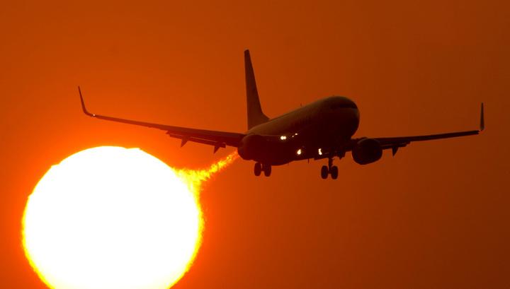 Пассажиры скинулись на ремонт самолета, чтобы улететь