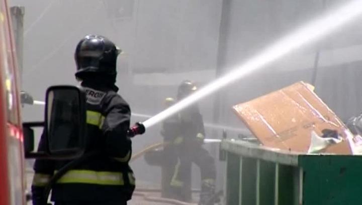 Для тушения пожара на траулере в Мурманске могут затопить док