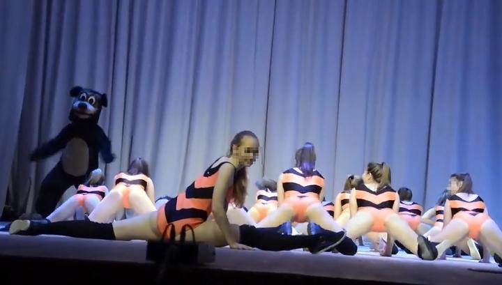 Танец китайских попка
