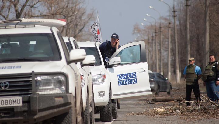 """Эксклюзив: """"Правый сектор"""" обстрелял журналистов ВГТРК и наблюдателей ОБСЕ"""