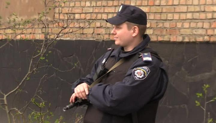 Милиция задерживает участников митингов в Киеве