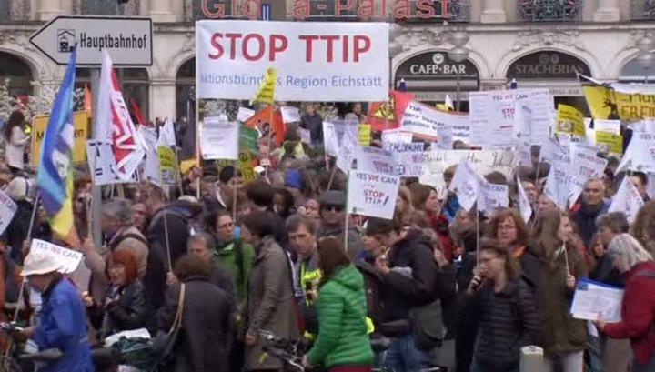 Немцы и бельгийцы протестуют против США и ГМО
