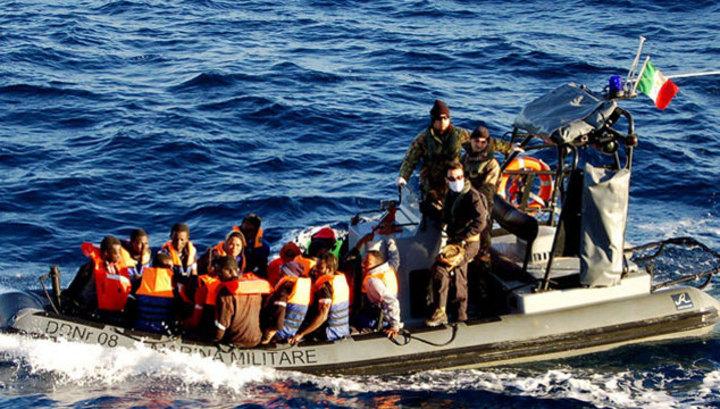 Судно с сотнями мигрантов на борту ушло на дно Средиземного моря