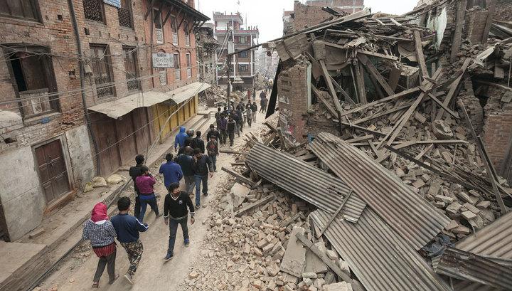 Полиция Непала: при землетрясении погибли 3326 человек