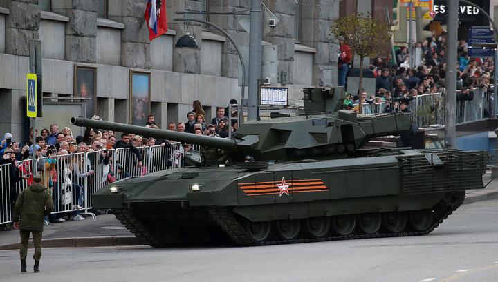 """Новейший российский танк """"Армата"""" будет испытываться еще около года"""