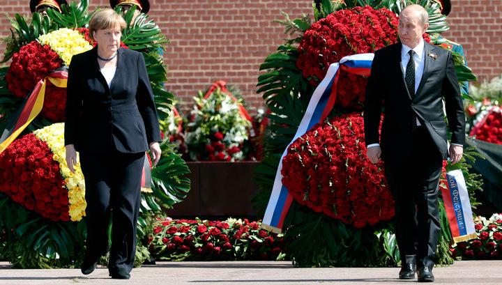 Путин и Меркель возложили венки к Могиле Неизвестного Солдата