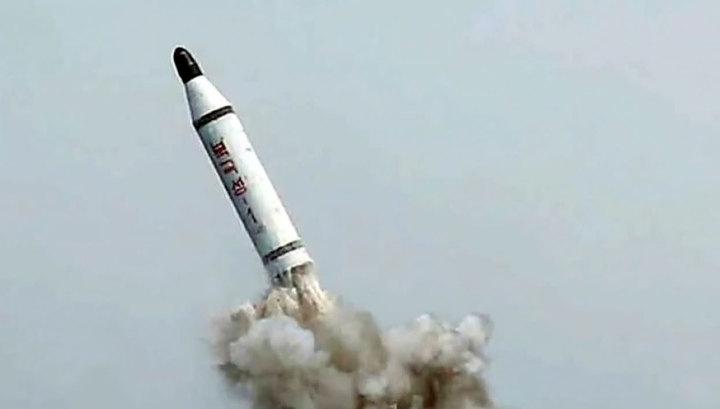 КНДР запустила две баллистические ракеты