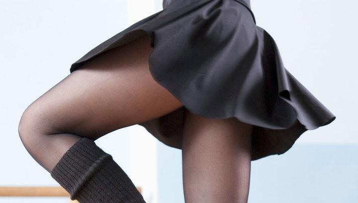 Под колготками у женщины