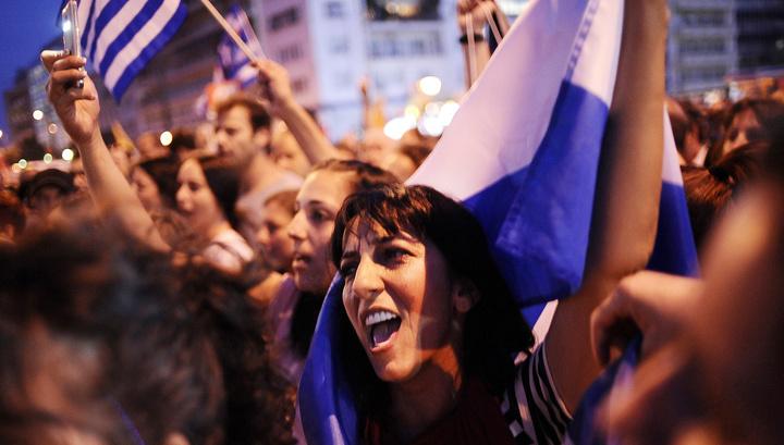 Протесты в Греции: полиция применила слезоточивый газ против демонстрации учащихся
