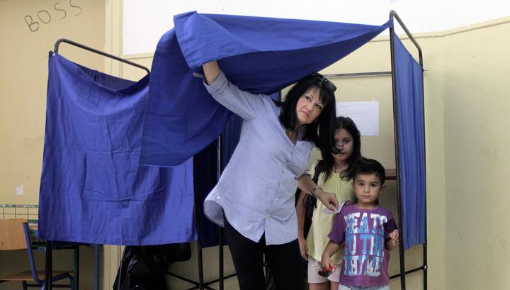 """Социологи: большинство греков на референдуме говорят """"нет"""""""