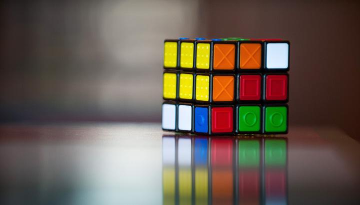 Мастера по сборке кубика Рубика выявили сильнейших на чемпионате в США