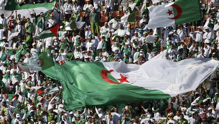 Матч алжирских команд обернулся большими беспорядками