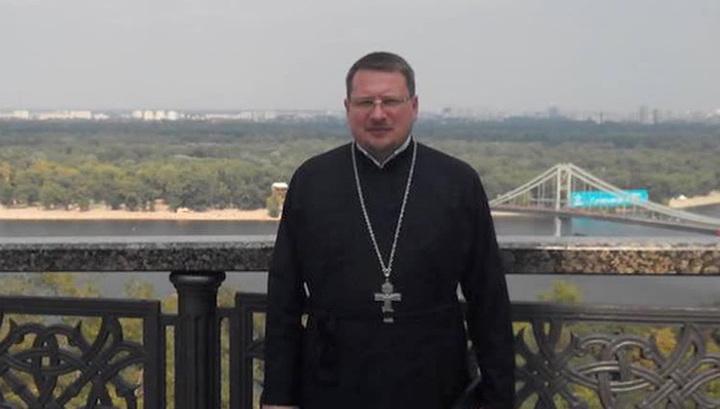 Раненный в Киеве священник умер, не приходя в сознание